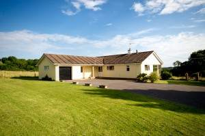 Goodlands Bungalow with Meadows