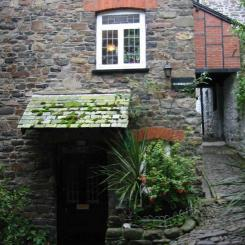 Clovelly cottage and alley