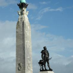 Drake Statue and Naval Memorial - Plymouth
