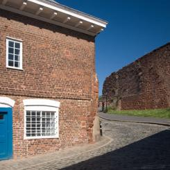 Exeter City Wall - Quay Hill