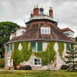 A La Ronde, 16-sided house