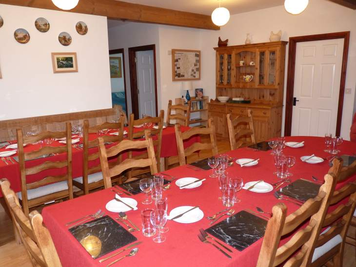 Buzzard Barn Sleeps 24 in 10 en suites - self catering ideal location