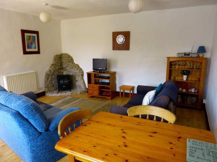 Stable Cottage - Sleeps 2 / 4 Self catering ideal location