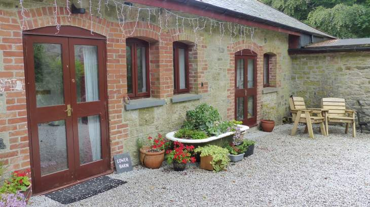Lower Barn Sleeps 6  - self catering ideal location