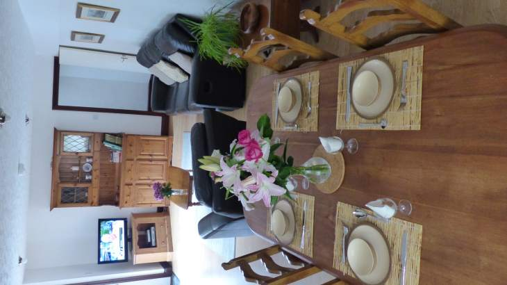 Badger Cottage sleeps 4 - Self catering ideal location