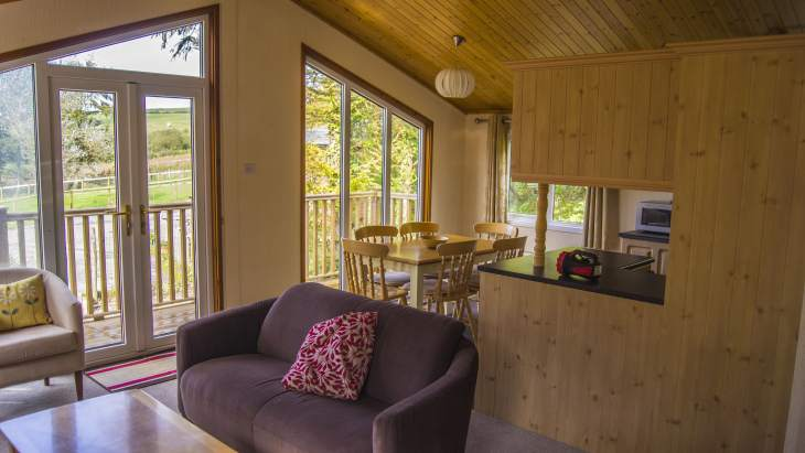 Family friendly farm holiday lodge sleeps 5