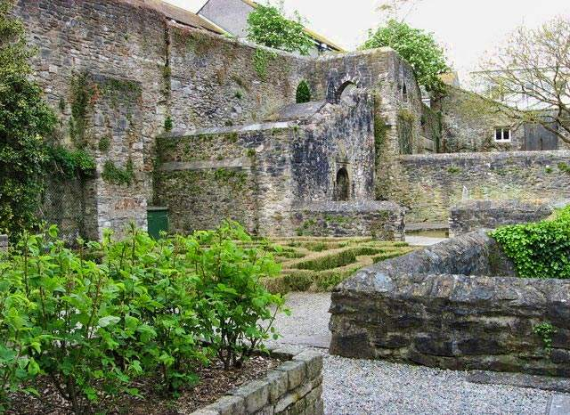 Elizabethan House Plymouth, garden