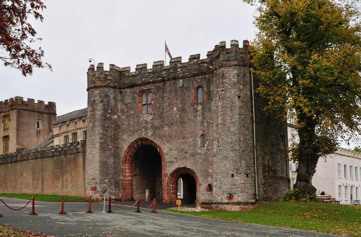Torre Abbey gatehouse