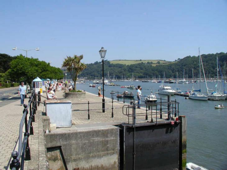 Dartmouth Embankment